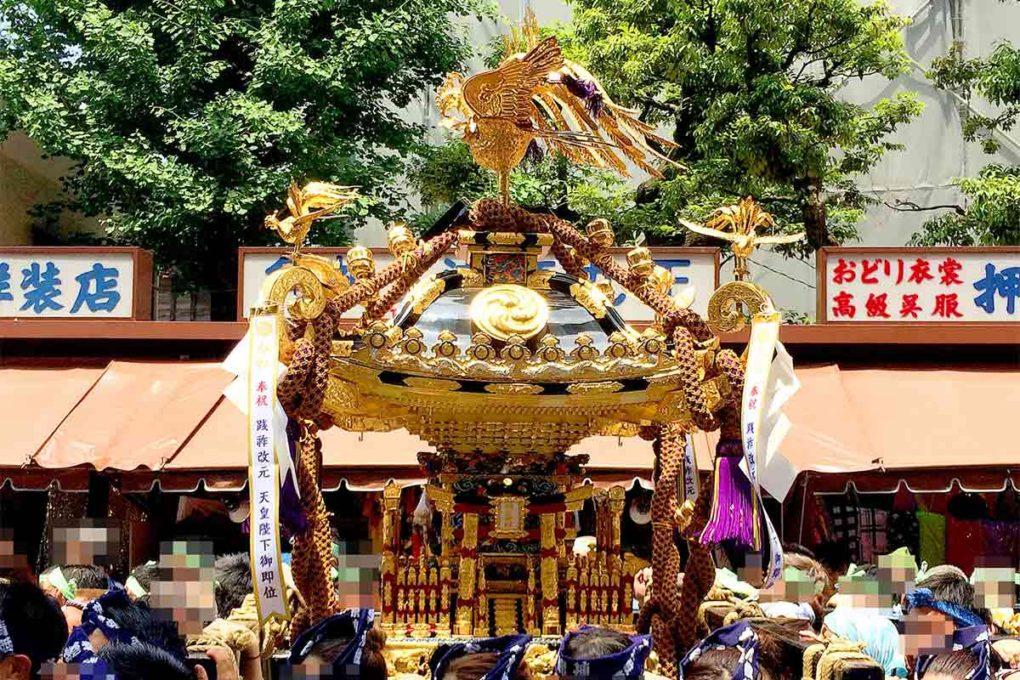 浅草・三社祭の神輿