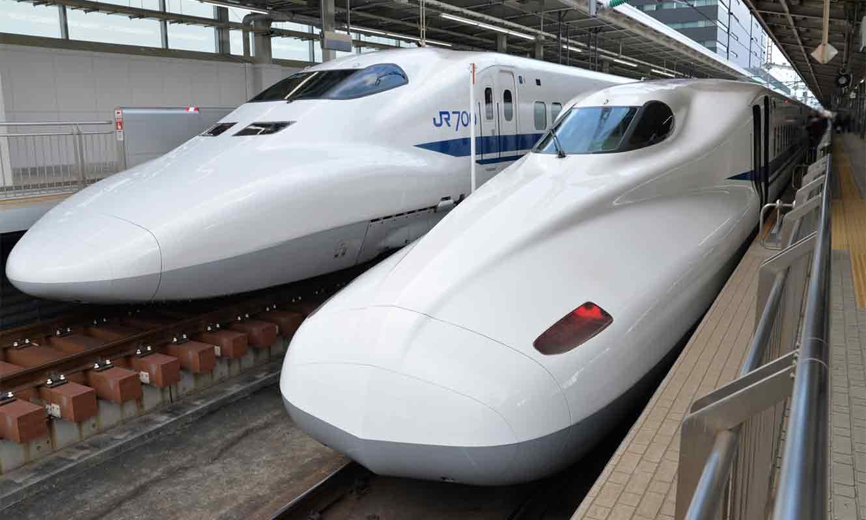 新幹線こだまとひかり