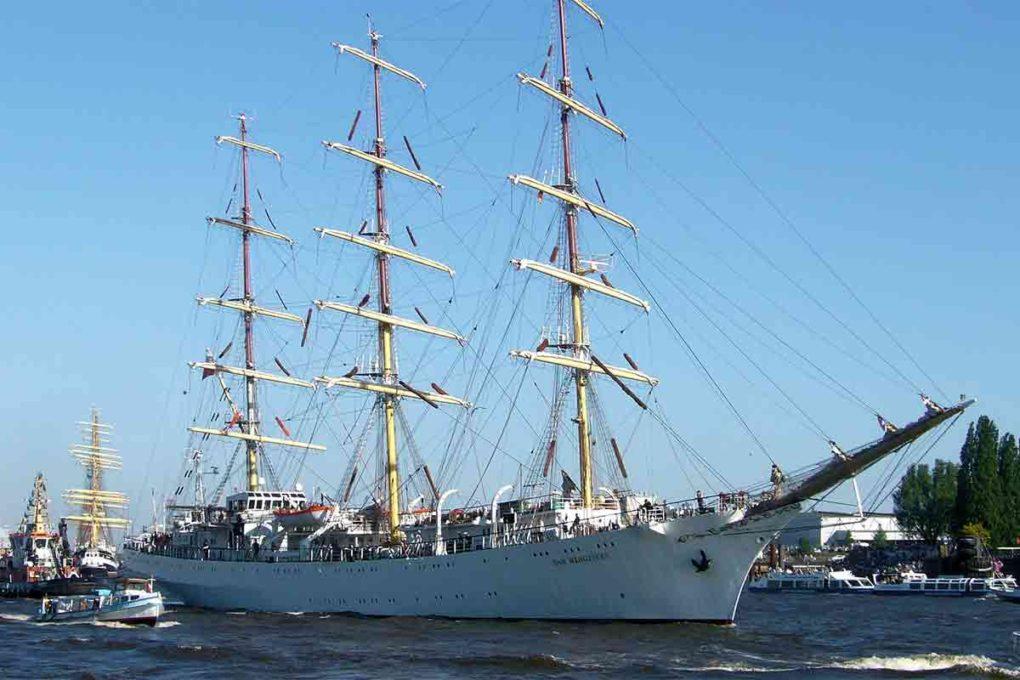 大型の客船