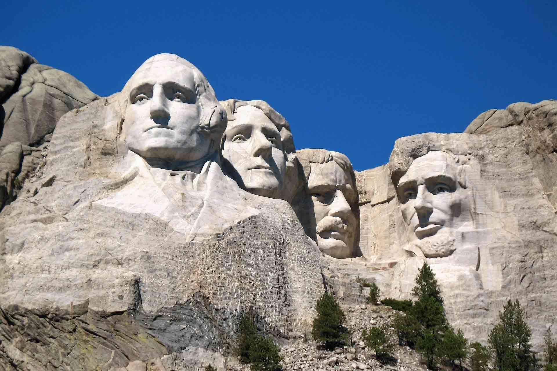 ラシュモア山の彫像