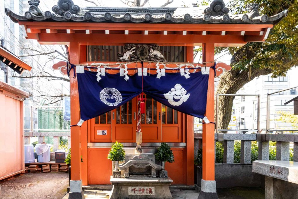 千種稲荷神社の拝殿